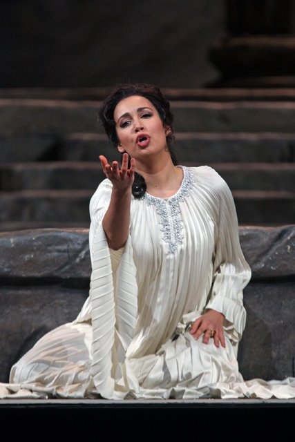 Nadine Sierra wins prestigious 2017 Richard Tucker Award